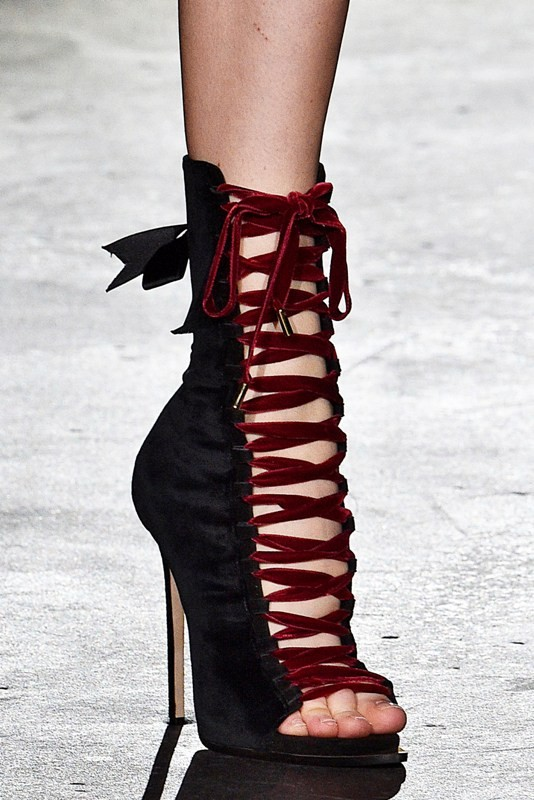 lace-up-heels-17 11+ Catchiest Spring / Summer Shoe Trends for Women 2020