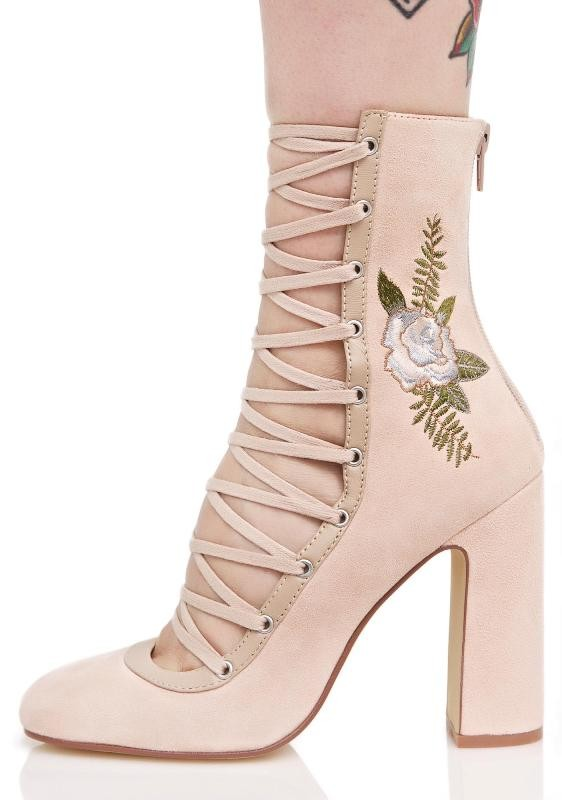 lace-up-heels-7 11+ Catchiest Spring / Summer Shoe Trends for Women 2020