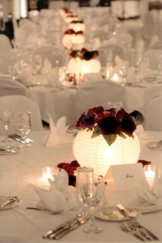 lantern-wedding-centerpieces-1 11 Tips on Mixing Antique and Modern Décor Styles