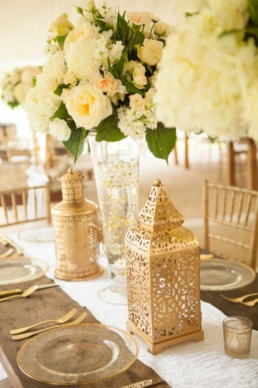 lantern-wedding-centerpieces-7 11 Tips on Mixing Antique and Modern Décor Styles