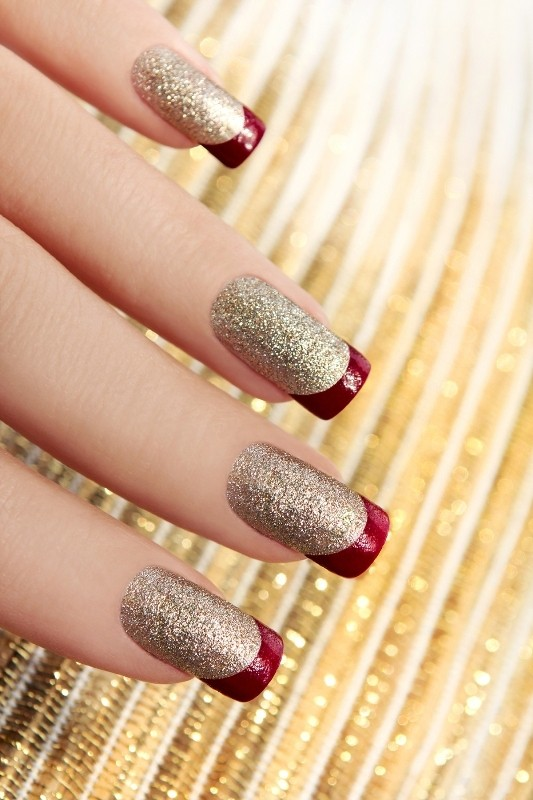 layering-two-colors-1 16+ Lovely Nail Polish Trends for Spring & Summer 2020