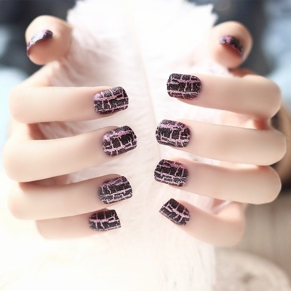 layering-two-colors-4 16+ Lovely Nail Polish Trends for Spring & Summer 2018