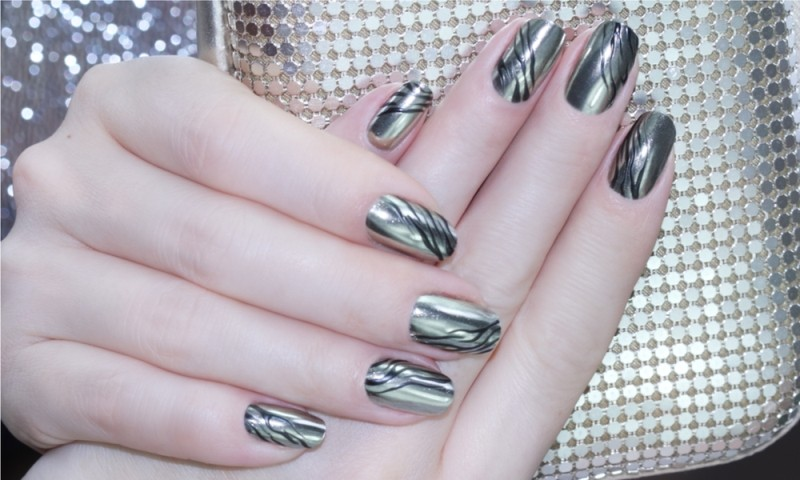 metallic-nail-art-ideas-6 16+ Lovely Nail Polish Trends for Spring & Summer 2020