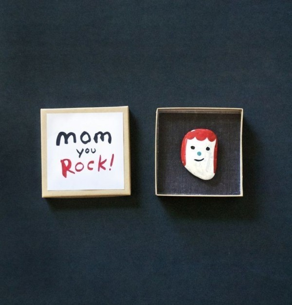 mothers-day-stone-art-10 35 Unexpected & Creative Handmade Mother's Day Gift Ideas