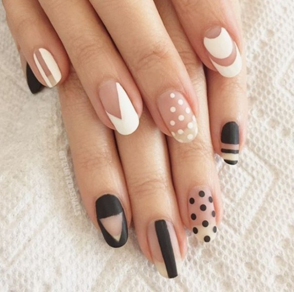 negative-space-nails-10 16+ Lovely Nail Polish Trends for Spring & Summer 2020