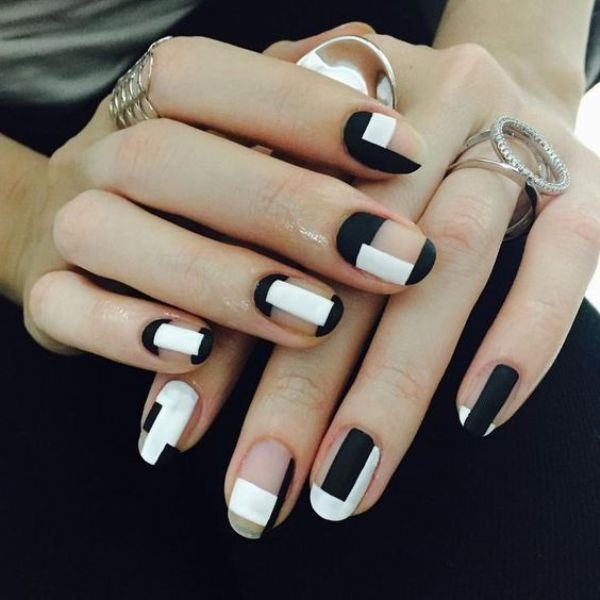 negative-space-nails-15 16+ Lovely Nail Polish Trends for Spring & Summer 2020