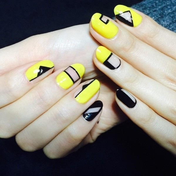 negative-space-nails-16 16+ Lovely Nail Polish Trends for Spring & Summer 2018