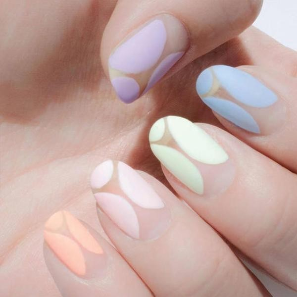 negative-space-nails-18 16+ Lovely Nail Polish Trends for Spring & Summer 2020