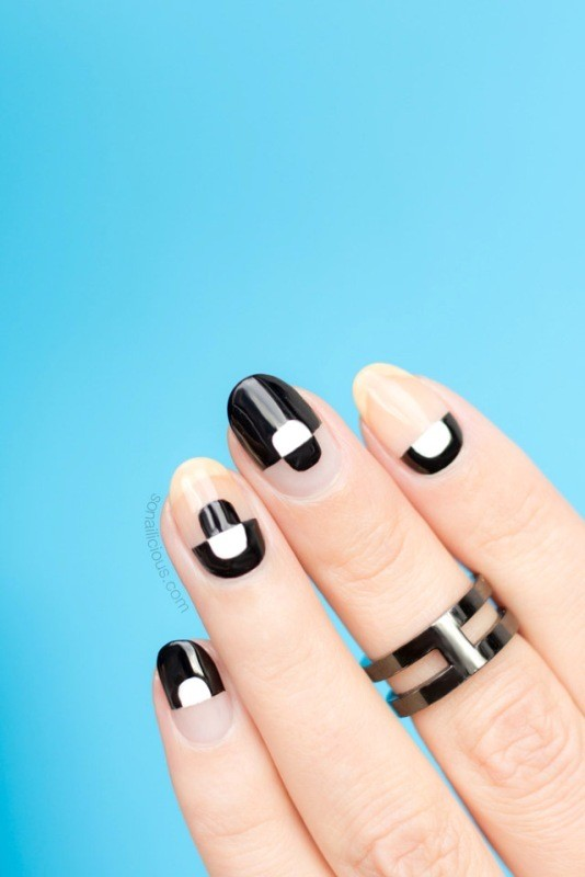 negative-space-nails-3 16+ Lovely Nail Polish Trends for Spring & Summer 2020