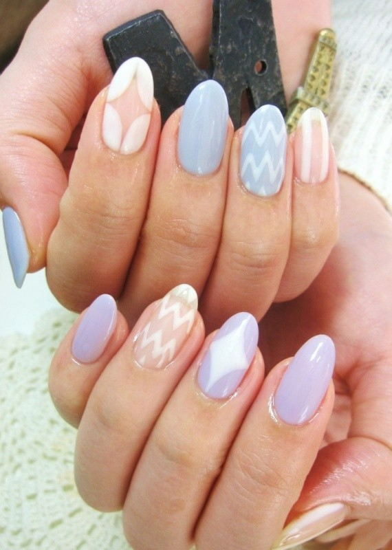 negative-space-nails-5 16+ Lovely Nail Polish Trends for Spring & Summer 2020