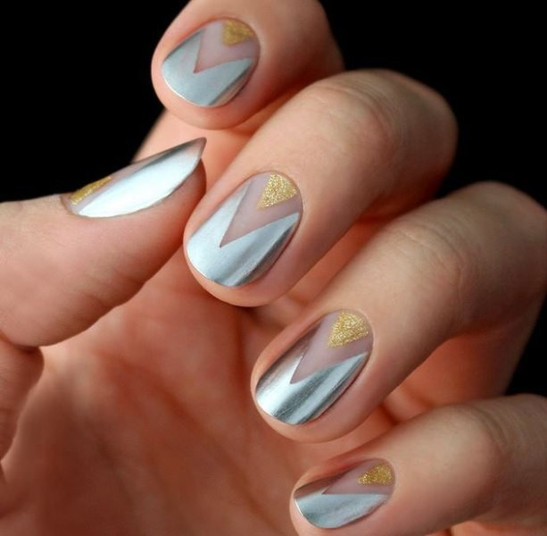 negative-space-nails-9 16+ Lovely Nail Polish Trends for Spring & Summer 2020