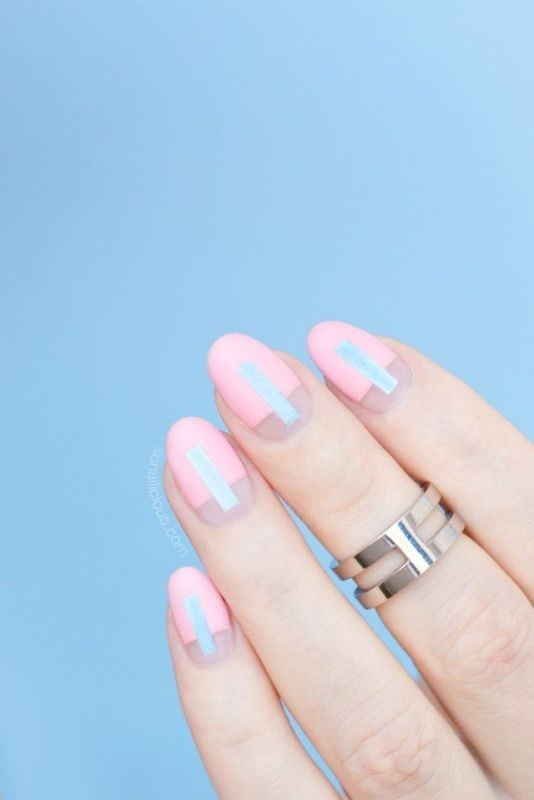 negative-space-nails 16+ Lovely Nail Polish Trends for Spring & Summer 2018