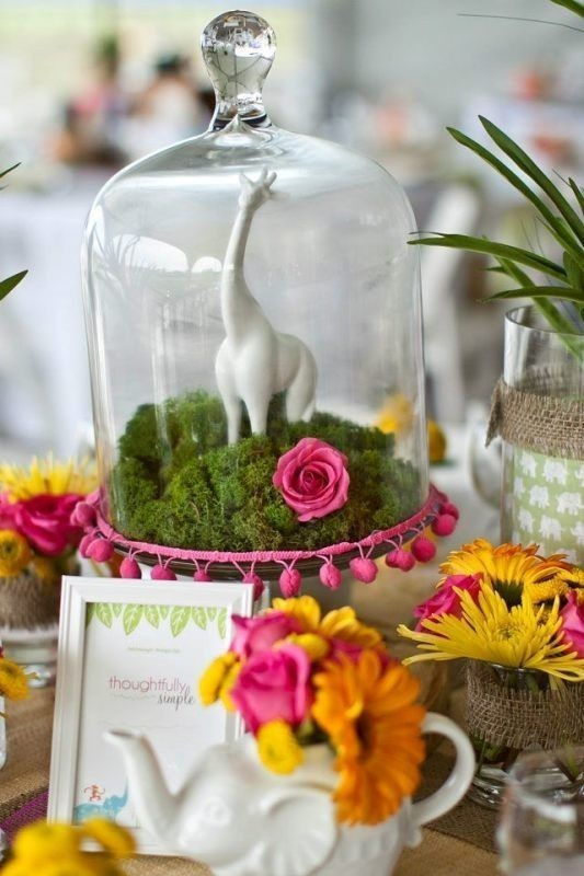 non-traditional-wedding-vases-11 11 Tips on Mixing Antique and Modern Décor Styles
