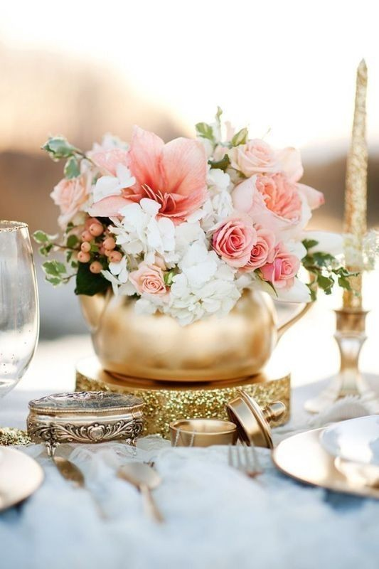 non-traditional-wedding-vases-12 11 Tips on Mixing Antique and Modern Décor Styles