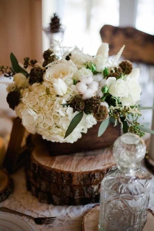 non-traditional-wedding-vases-14 11 Tips on Mixing Antique and Modern Décor Styles