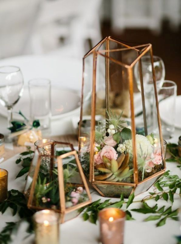 non-traditional-wedding-vases-25 11 Tips on Mixing Antique and Modern Décor Styles