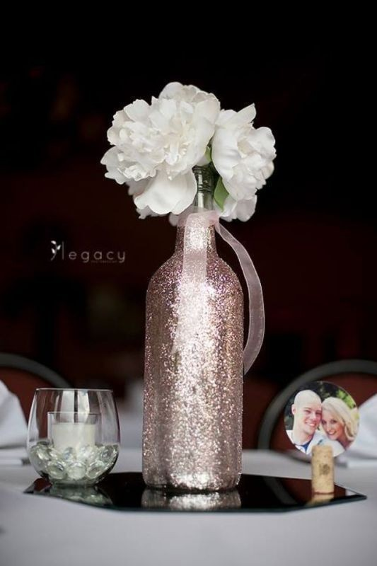 non-traditional-wedding-vases-3 11 Tips on Mixing Antique and Modern Décor Styles