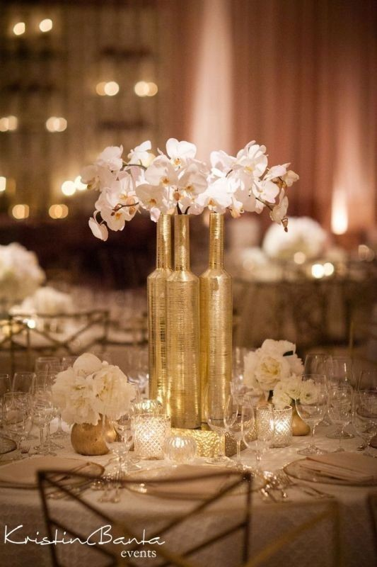 non-traditional-wedding-vases-5 11 Tips on Mixing Antique and Modern Décor Styles