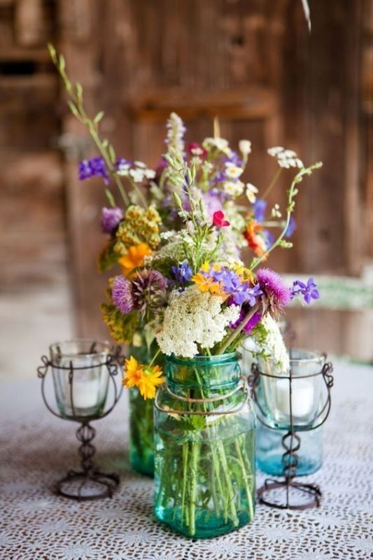 non-traditional-wedding-vases-8 11 Tips on Mixing Antique and Modern Décor Styles