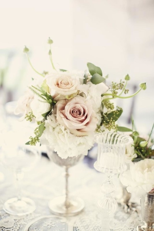 non-traditional-wedding-vases-9 11 Tips on Mixing Antique and Modern Décor Styles