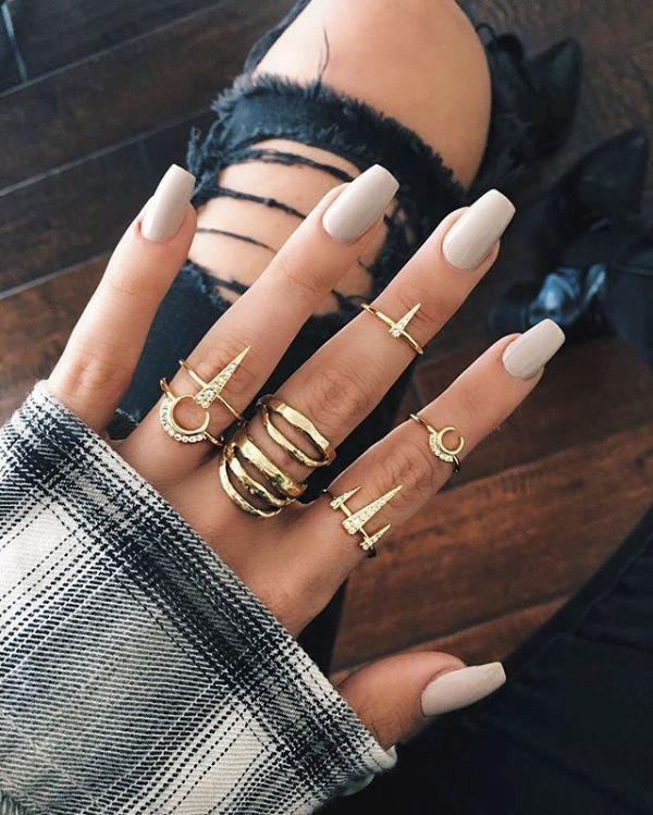 nude-nails-11 16+ Lovely Nail Polish Trends for Spring & Summer 2018