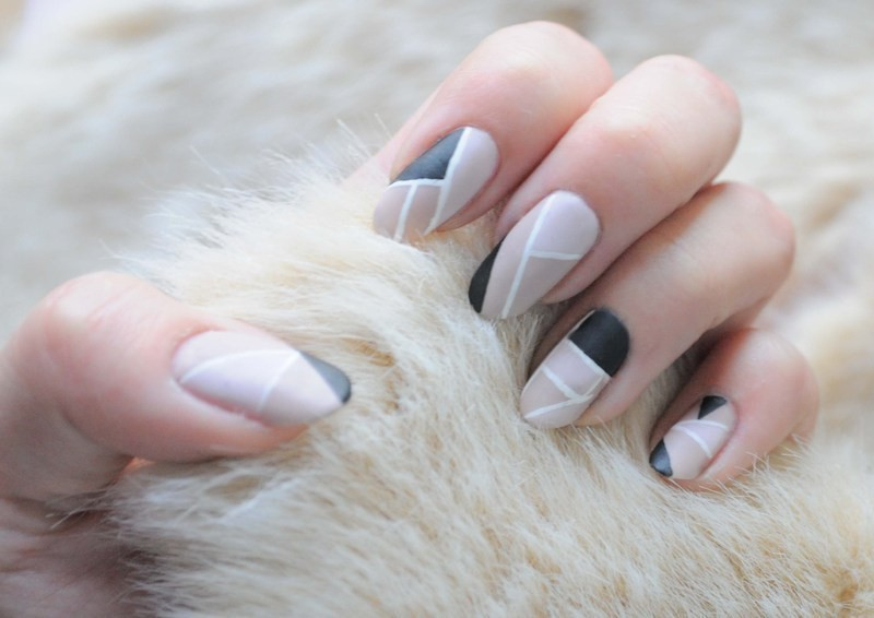 nude-nails-27 16+ Lovely Nail Polish Trends for Spring & Summer 2018
