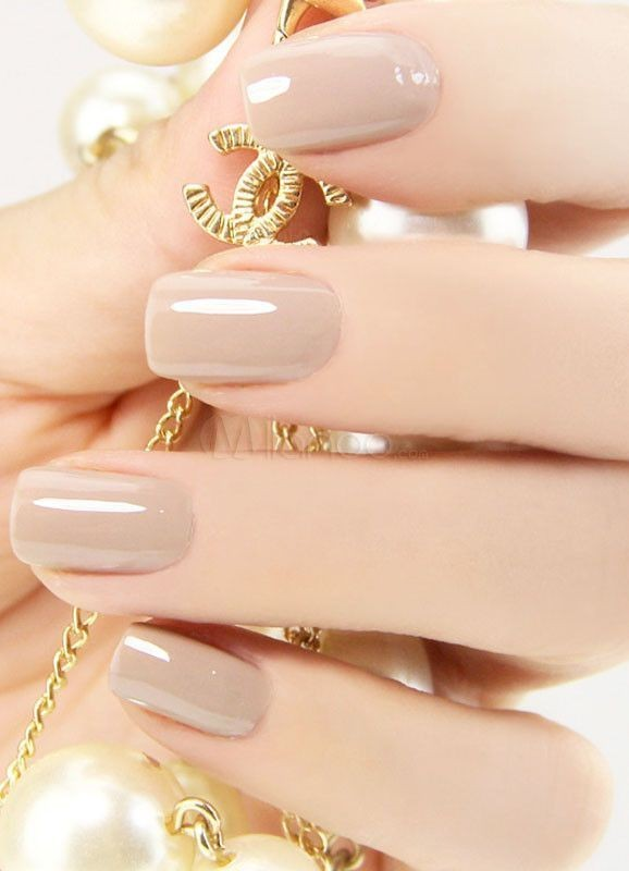 nude-nails-5 16+ Lovely Nail Polish Trends for Spring & Summer 2020