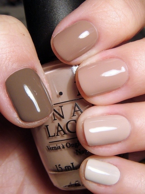 nude-nails-7 16+ Lovely Nail Polish Trends for Spring & Summer 2020