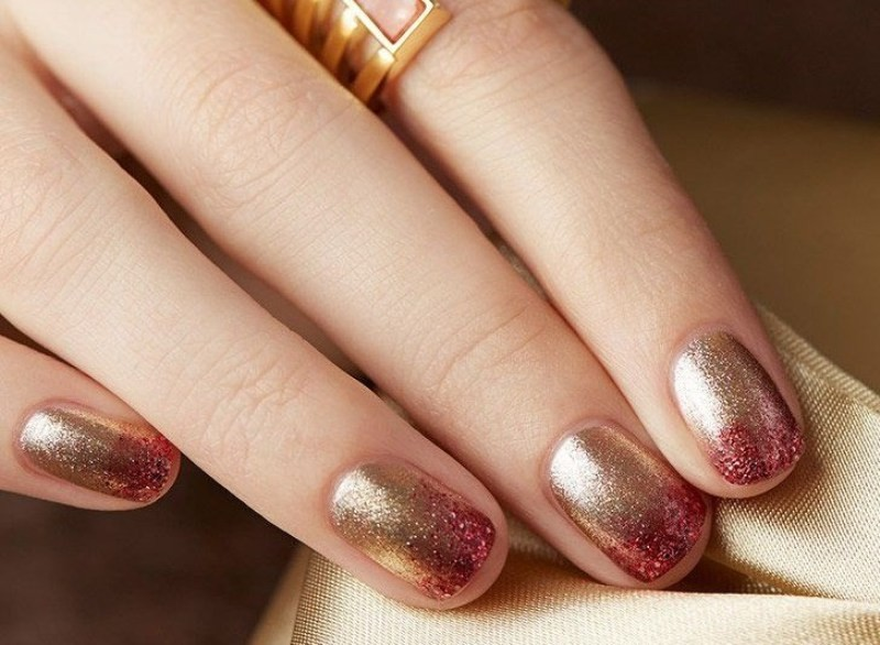 ombre-nails-7 16+ Lovely Nail Polish Trends for Spring & Summer 2018