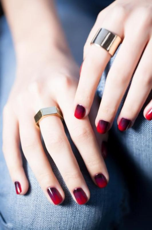 ombre-nails 16+ Lovely Nail Polish Trends for Spring & Summer 2018