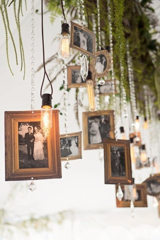 photo-display-wedding-decor-ideas-9 88+ Unique Ideas for Decorating Your Outdoor Wedding