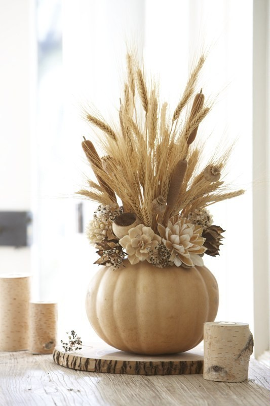 pumpkin-wedding-centerpieces-3 11 Tips on Mixing Antique and Modern Décor Styles