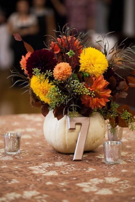 pumpkin-wedding-centerpieces-4 79+ Insanely Stunning Wedding Centerpiece Ideas