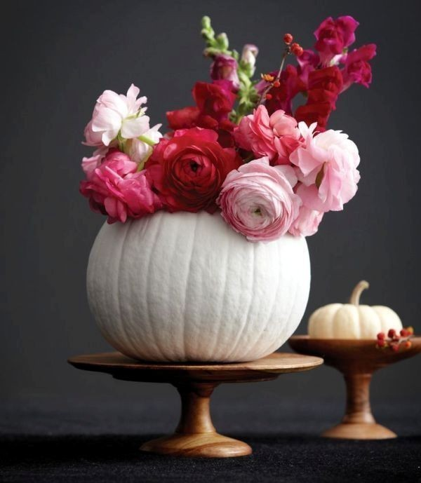 pumpkin-wedding-centerpieces-6 11 Tips on Mixing Antique and Modern Décor Styles