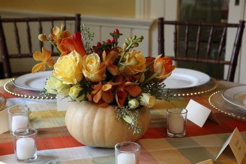 pumpkin-wedding-centerpieces-9 11 Tips on Mixing Antique and Modern Décor Styles