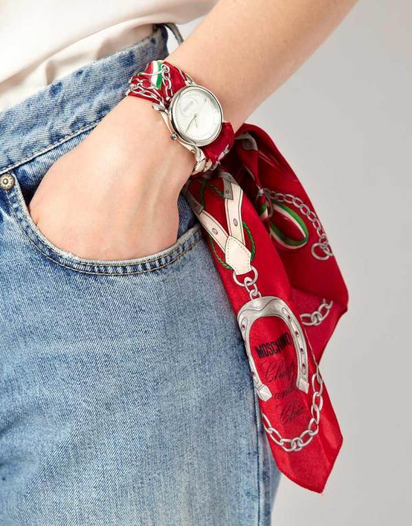 scarf-watchband 35 Unexpected & Creative Handmade Mother's Day Gift Ideas