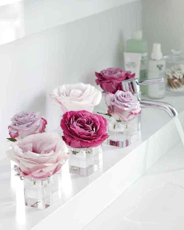 single-flower-wedding-centerpieces-10 79+ Insanely Stunning Wedding Centerpiece Ideas