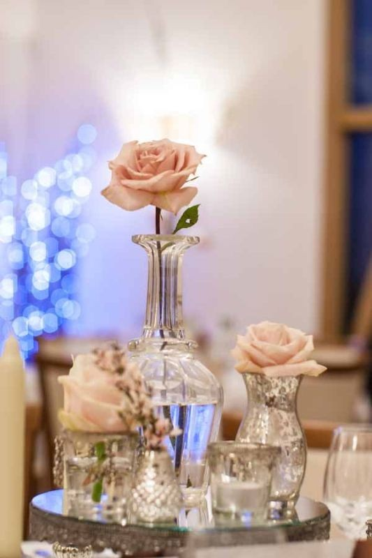 single-flower-wedding-centerpieces-4 11 Tips on Mixing Antique and Modern Décor Styles