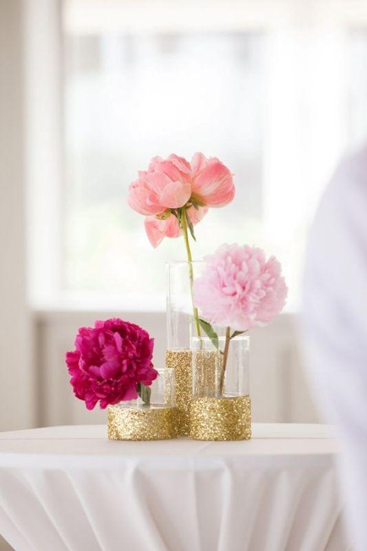 single-flower-wedding-centerpieces-5 79+ Insanely Stunning Wedding Centerpiece Ideas