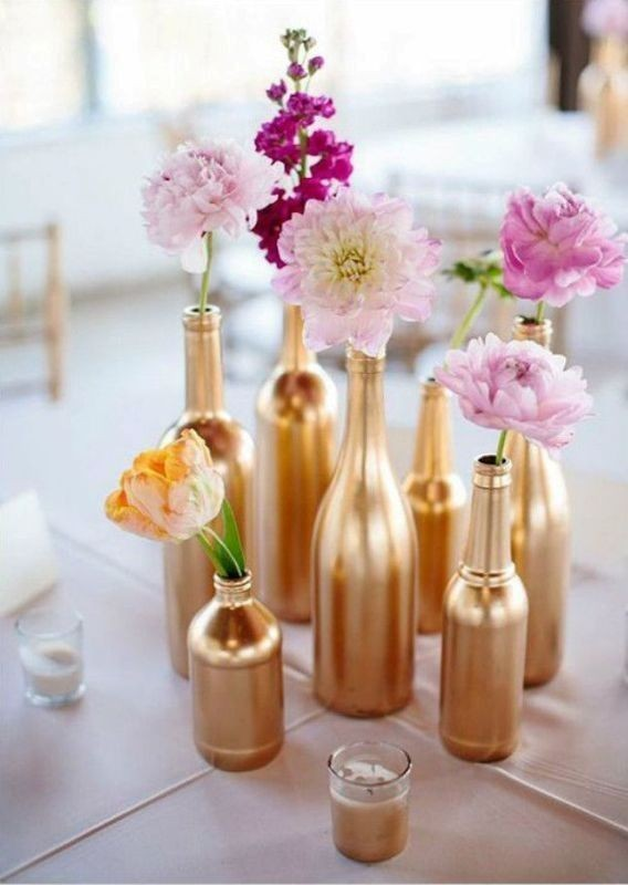 single-flower-wedding-centerpieces-8 11 Tips on Mixing Antique and Modern Décor Styles