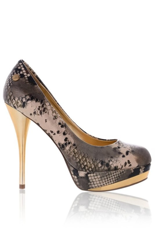 snakeskin-shoes 11+ Catchiest Spring / Summer Shoe Trends for Women 2020