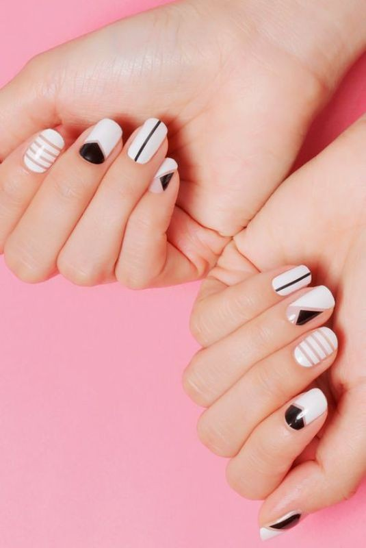 striped-nails-1 16+ Lovely Nail Polish Trends for Spring & Summer 2018