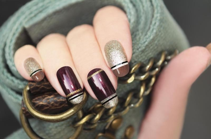 striped-nails-25 16+ Lovely Nail Polish Trends for Spring & Summer 2020