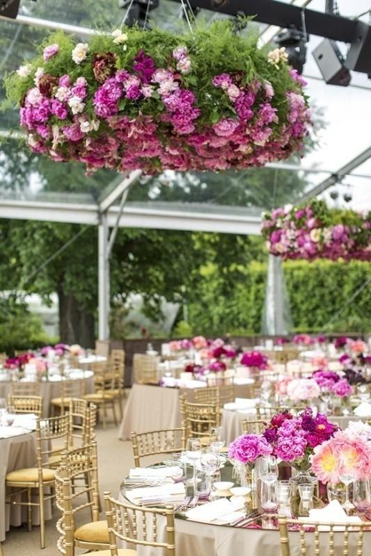 suspended-wedding-centerpieces-1 79+ Insanely Stunning Wedding Centerpiece Ideas