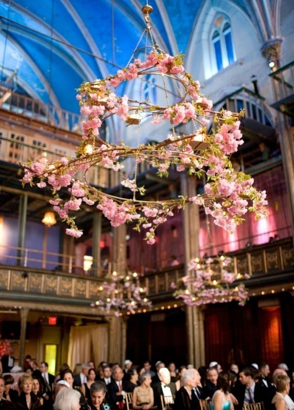 suspended-wedding-centerpieces-3 11 Tips on Mixing Antique and Modern Décor Styles