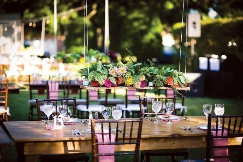 suspended-wedding-centerpieces-7 11 Tips on Mixing Antique and Modern Décor Styles