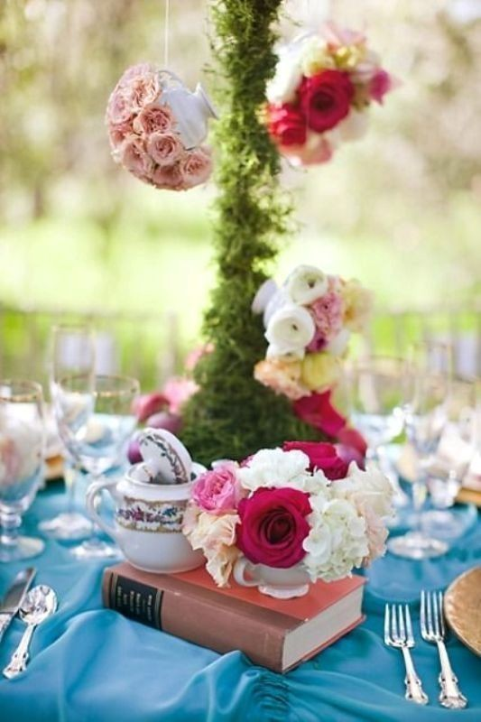 tall-wedding-centerpieces-12 11 Tips on Mixing Antique and Modern Décor Styles