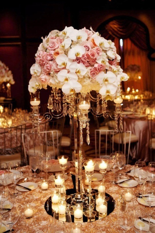 tall-wedding-centerpieces-15 11 Tips on Mixing Antique and Modern Décor Styles