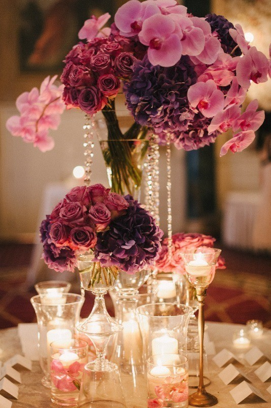 tall-wedding-centerpieces-18 11 Tips on Mixing Antique and Modern Décor Styles