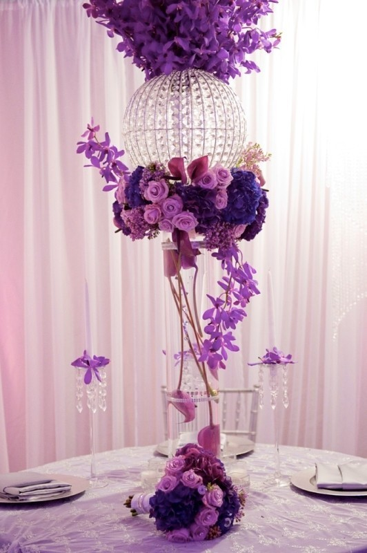 tall-wedding-centerpieces-2 79+ Insanely Stunning Wedding Centerpiece Ideas